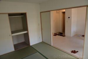 戸が大きく開くので開放的です。
